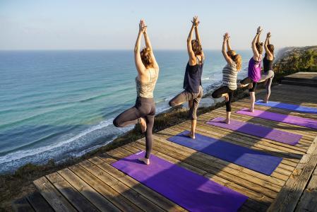 8 nejlepších jógových pozic pro posílení metabolismu