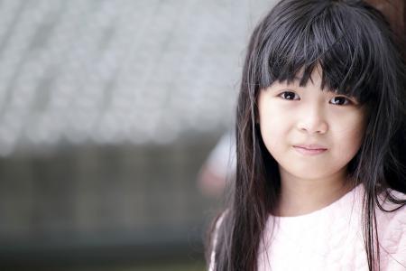 Varování pro rodiče dívek: Šampóny narušují funkci štítné žlázy u dívek