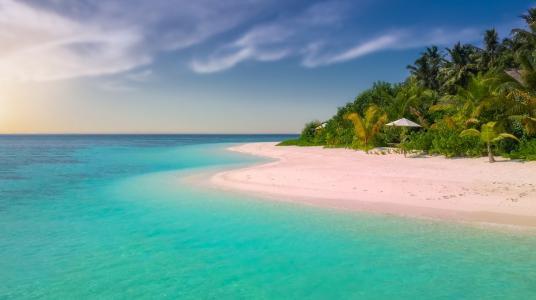 8 pádných důvodů, proč si dopřát mořskou vodu