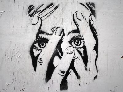 Sociální fobie je důsledkem narušených komunikačních schopností
