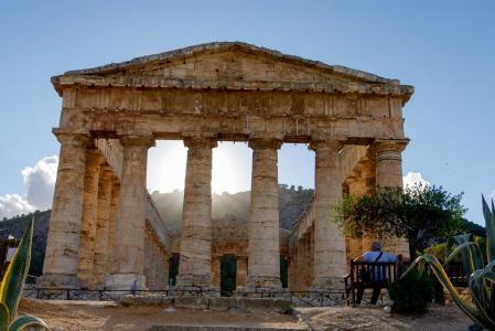 10 starověkých pravidel, dle kterých bychom měli žít