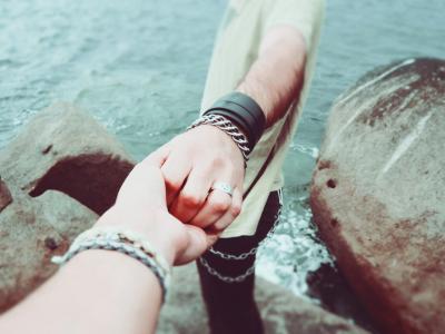 Jak budovat důvěru ve vztahu
