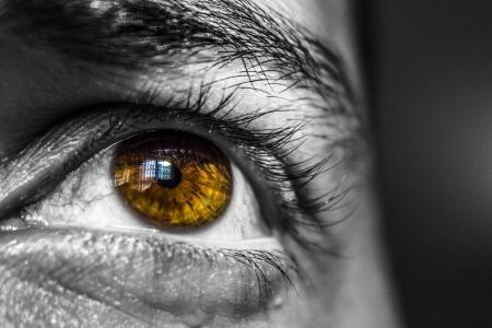 10 přírodních léku na suché oči