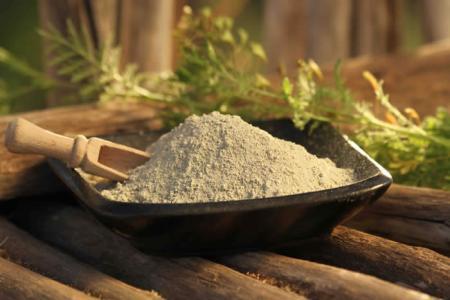 Zelený francouzský jíl - zázračný lék na kožní i jiné potíže