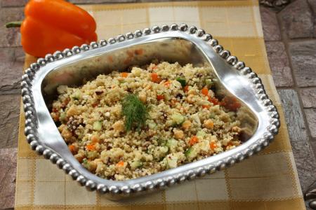 Quinoa s kuřecím masem a zeleninou