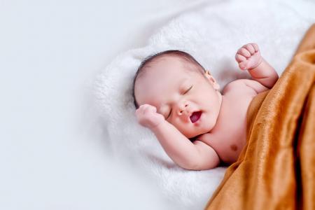 Vývoj miminka ve 3 měsíci. Jaké milníky pokoří váš uzlík radosti?